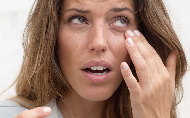 Can Eye Makeup Cause Dry Eye?